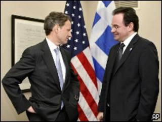 Министр финансов США Тимоти Гейтнер (слева) и министр финансов Греции