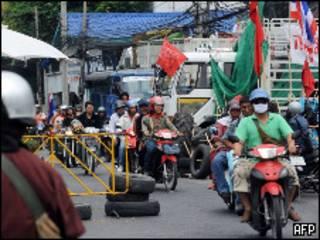 Демонстранты покидают свой лагерь в Бангкоке