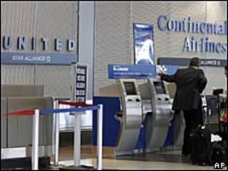 Compañías aéreas United Airlines y Continental