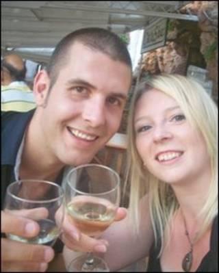 John Crossley-Stanbury e sua noiva Debbie Baxter (arquivo pessoal)