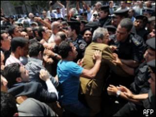 مواجهات بين الشرطة والمتظاهرين