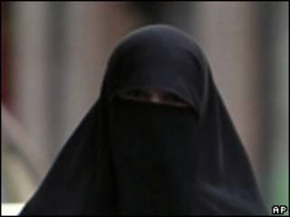 Mulher usando o niqab
