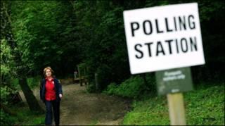 تصویر ساعت بیگ بن لندن که نمودار نتایج انتخابات بروی آن قرار گرفته است