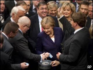 Канцлер Германии Меркель в парламенте