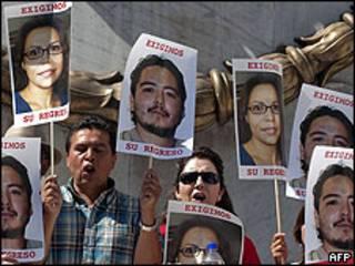Manifestación por periodistas desaparecidos en Ciudad de México.