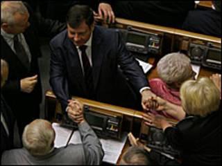 Адама Мартинюка вітають колеги
