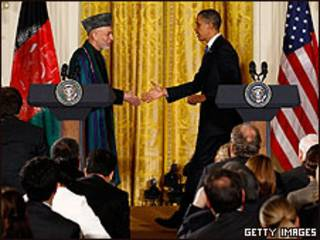 Hamid Karzai y Barack Obama