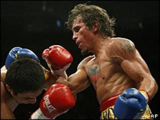 """El boxeador """"El Inca"""" Valero frente al mexicano Antonio de Marco"""