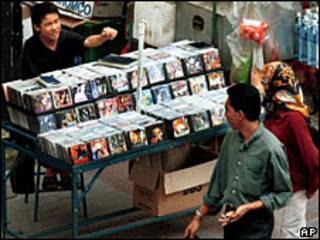 Venta de CD piratas