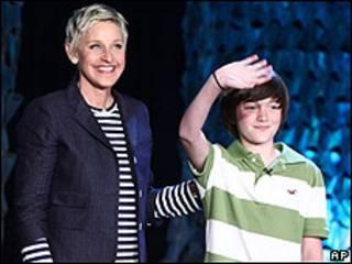 Ellen DeGeneres y Greyson Chance