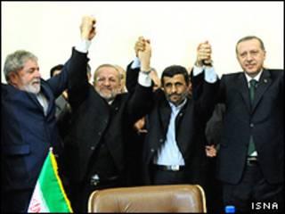 رهبران ترکیه، و برزیل همراه با احمدی نژاد در اجلاس تهران