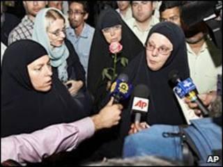 مادران سه کوهنورد در تهران