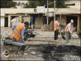 На месте одного из недавних взрывов в Ираке