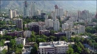 تصویری از شمال تهران با ساختمان های بلندمرتبه