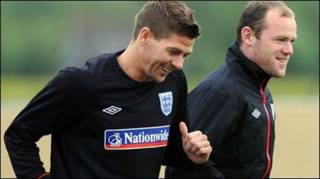 Gerrard (trái)