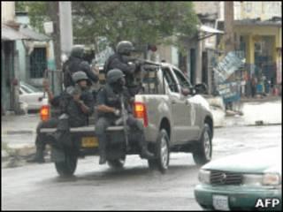 Войска на улицах Кингстона
