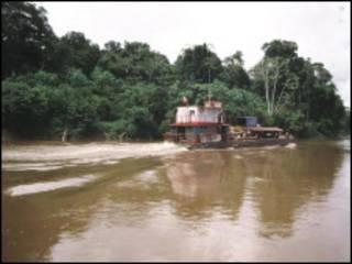 Un barco en el Amazonas