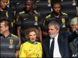 Seleção visitou Lula antes de embarcar