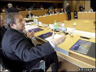 Мішель Платіні оголосив про рішення УЄФА