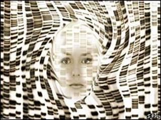 Imagen computarizada de rostro rodeado de radiografía distorsionada de ADN