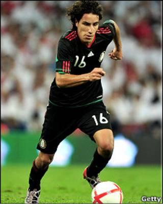 افراین خوارز، بازیکن تیم فوتبال مکزیک