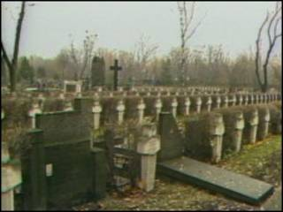 Кладбище жертв расстрелов под Катынью