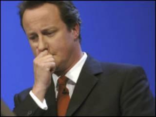 رئيس الحكومة البريطانية ديفيد كاميرون