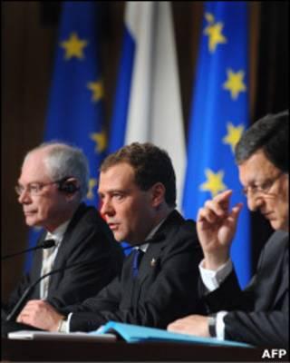 Херман ван Ромпей, Дмитрий Медведев и Жозе Мануэль Баррозу