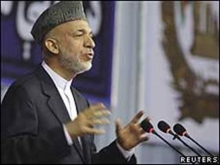 حامد کرزی در نشست صلح کابل