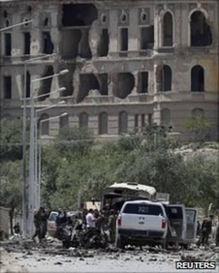 مكان تفجير انتحاري في كابول