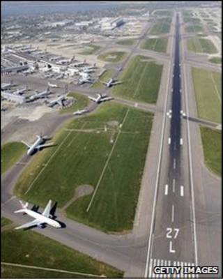 Pista do aeroporto de Heathrow, em Londres
