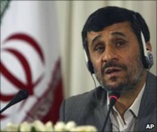 Tổng thống Iran Mahmoud Ahmadinejad bác bỏ cấm vận mới của LHQ