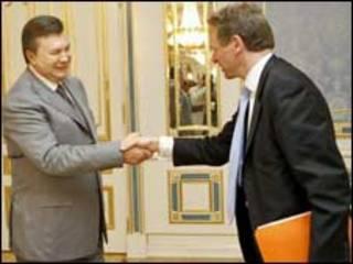 Президент Янукович та заступник директора єропейського департаменту МВФ Пол Томсен