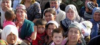 Phụ nữ và trẻ em Uzbek