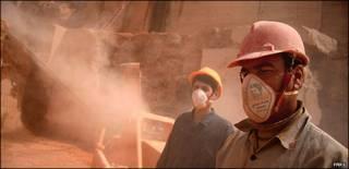 کارگران در معدن