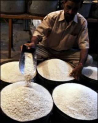 تصویوری از گونی های برنج