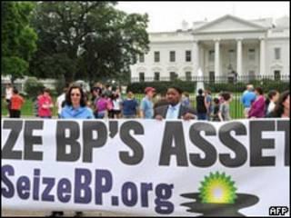Protesto contra a BP em frente à Casa Branca