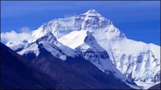 Суперечка щодо висоти Джомолунгми триває вже давно