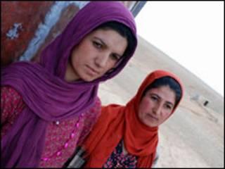Dathsy y su hermana Sara, mujeres del Kurdistán que han sufrido la circuncisión