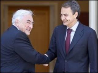 Giám đốc IMF Dominique Strauss-Kahn (trái) và Thủ tướng Tây Ban Nha Jose Luis Rodriguez Zapatero