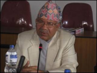 कामचलाउ प्रधानमन्त्री माधबकुमार नेपाल