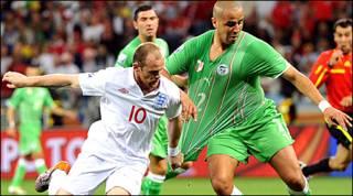 इंग्लैड - अलजीरिया मैच के दौरान रूनी