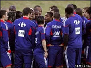 Los jugadores de Francia durante el entrenamiento