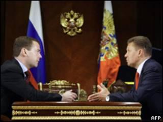 Tổng thống Nga, Medvedev, và Alexei Miller