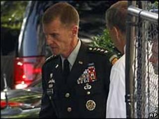 Tướng McChrystal tới Tòa Bạch ốc