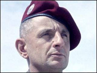Tướng Marcel Bigeard (ảnh của quân đội Pháp)