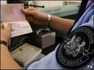 Agente de imigração britânico