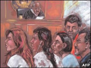 Подозреваемые в шпионском скандале в суде Нью-Йорка - рисунок