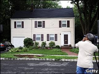 Дом в Монтклере, штат Нью-Джерси, где проживали двое из обвиняемых в шпионаже