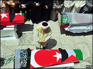 Funeral en Turquía por las víctimas de la flotilla.
